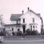 Jason Lee House with many Victorian additions as it looked standing at its original location at E Street along Broadway in Salem, prior to its move. WHC M3 1993-102-0003.
