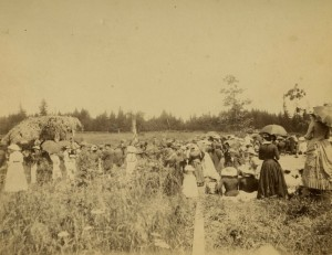 Memorial Day observance at Odd Fellows Rural Cemetery circa 1885. WHC 1995.022.0003